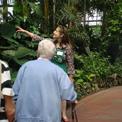 docent-kathy-giving-tour